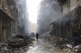 Foto: La ONU eleva a 191.000 los muertos en Siria pola guerra hasta abril d'esti añu (STRINGER . / REUTERS)