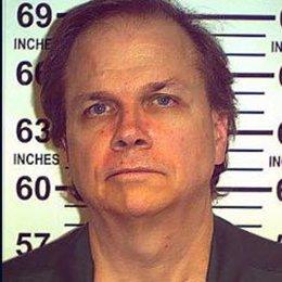 Foto: Denegada la libertad condicional por octava vez al hombre que mató a John Lennon (HANDOUT . / REUTERS)