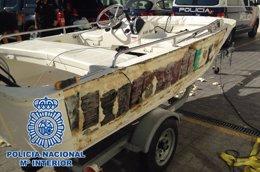 Foto: Detenidas 6 personas tras la incautación de 240 kilos de cocaína en el interior del casco de una lancha (EUROPA PRESS/POLICÍA NACIONAL)