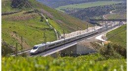 Foto: Aumentan un 9% los usuarios de AVE entre Málaga y Madrid, con 1,2 millones de viajeros (EUROPA PRESS/RENFE)