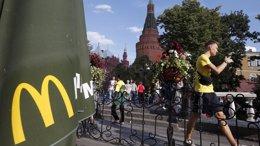 Foto: El Gobierno ruso descarta por ahora cerrar los McDonald's (MAXIM ZMEYEV/REUTERS)
