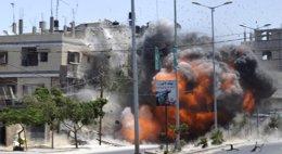 Foto: Doce palestinos muertos este sábado por los bombardeos israelíes en Gaza (STRINGER/REUTERS)