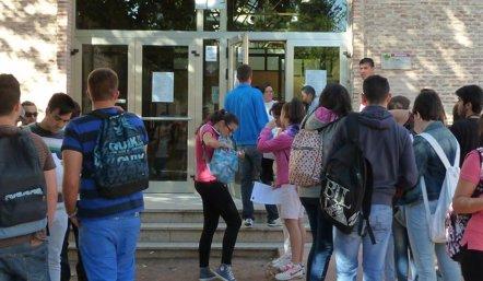 Foto: Retrasar la hora de entrada al instituto, ¿beneficioso para el adolescente? (EUROPA PRESS)