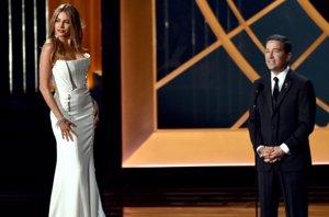 Foto: Sexismo en los Emmy: Sofía Vergara, la polémica mujer objeto (GETTY)