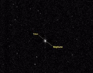 Foto: La nau 'New Horizons' travessa l'òrbita de Neptú rumb a Plutó (NASA)
