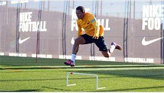 Futbol.- Adriano rep l'alta mèdica després de superar la seva alteració cardíaca