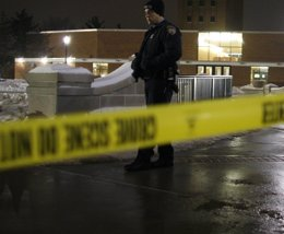 Foto: Fallece mientras graba un tiroteo para un programa de televisión (Reuters)