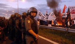 Foto: El Gobierno se enfrenta a un nuevo paro nacional convocado por sindicatos opositores (REUTERS)