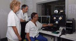 Foto: Son Espases realiza por primera vez una técnica de cateterismo en una misma intervención (CAIB)