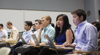 Foto: Cuarenta cursos universitarios gratis a los que apuntarse en septiembre y octubre (STEPHEN LAM / REUTERS)