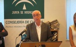 Foto: PSOE e IU citan en el Parlamento al consejero andaluz por los cursos de formación pero rechazan plenos extraordinarios (EUROPA PRESS)