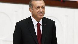 Foto: Erdogan encarga oficialmente a Davutoglu que forme Gobierno (UMIT BEKTAS / REUTERS)