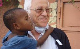"""Foto: Pedro Sánchez visita este viernes el comedor social de """"Mensajeros por la Paz"""" y se reúne con el padre Ángel (MENSAJEROS DE LA PAZ)"""
