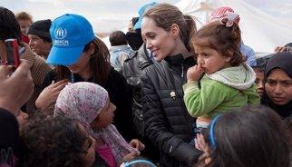 """Jolie define de """"fracaso colectivo"""" la cifra de refugiados sirios"""