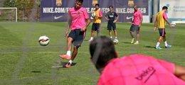 Foto: Neymar recibe el alta e Iniesta es baja ante el Villarreal (MIGUEL RUIZ-FCB)