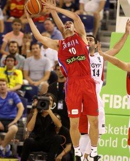 Foto: Serbia impone la lógica en su debut ante Egipto (FIBA.COM)
