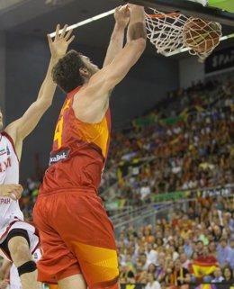 Foto: España debuta con una sencilla victoria ante Irán (JUAN PELEGRIN/FEB)