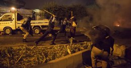 Foto: Al menos un muerto y 453 heridos en las marchas antigubernamentales en Islamabad (ZOHRA BENSEMRA / REUTERS)