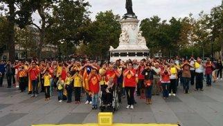 Consulta.- Catorze ciutats internacionals assagen la 'V' per demanar celebrar-la