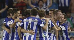 Foto: El Real Madrid pierde el equilibrio en Anoeta (VINCENT WEST / REUTERS)