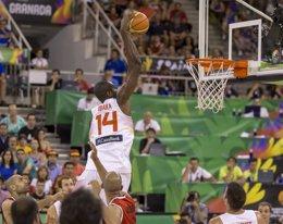 Foto: Ibaka se suma a la fiesta antes del 'verdadero' Mundial (FIBA.COM)
