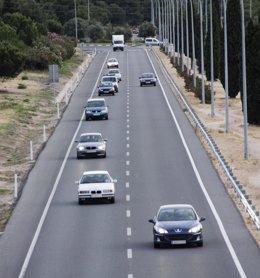 Foto: Un muertu, tres mancaos graves y seis leves nes carreteres nel fin de selmana (EUROPA PRESS)