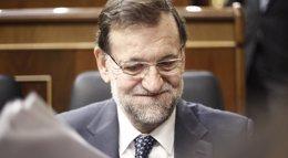 """Foto: Rajoy felicita a Carolina Marín por su """"espectacular"""" triunfo en el Campeonato Mundial de Bádminton (EUROPA PRESS)"""