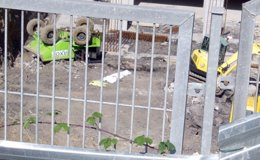Foto: El operario fallecido en Bilbao descargaba material del 'dumper' cuando se produjo el accidente (EUROPA PRESS)
