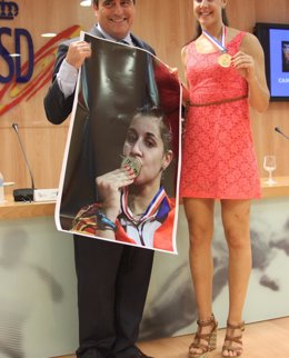 """Foto: Carolina Marín: """"Esta medalla no es mía, es de todos"""" (CSD)"""