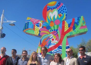 """Foto: Cinco esculturas gigantes """"visten"""" de arte el Frente Marítimo de Santander (EUROPA PRESS)"""
