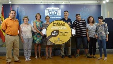 Foto: Guarinos anima a participar en la 'Paella Solidaria 2014' (EUROPA PRESS/DIPUTACIÓN)