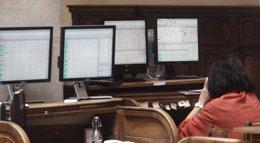 Foto: El Ibex salva las ganancias (+0,08%), pero se atasca a las puertas de los 10.800 puntos (EUROPA PRESS)
