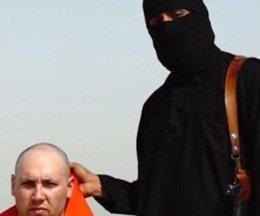 Foto: Difunden vídeo decapitando al periodista estadounidense Steven Sotloff (@KKNN_1435)