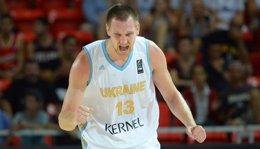 Foto: Ucrania aprieta la lucha por el segundo puesto del Grupo C (FIBA.COM)
