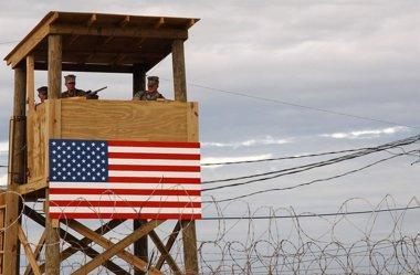 Foto: Mujica dice que los presos de Guantánamo llegarán cuando él diga (US NAVY
