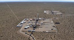 Foto: La petrolera YPF detiene una fuga de gas en un pozo del yacimiento Vaca Muerta (REUTERS)