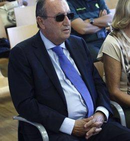 Foto: Carlos Fabra comparecerá este miércoles ante la Audiencia, que debe decidir sobre la suspensión del ingreso en prisión (POOL)