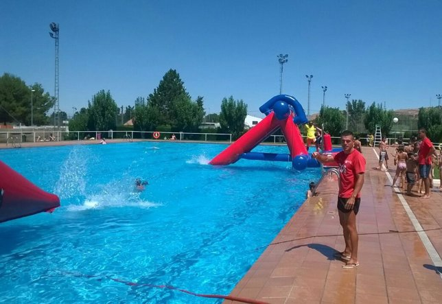 Las piscinas de la estacada de fraga registran m s de 22 for Piscinas huesca
