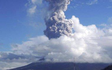 Foto: 12.000 evacuados ante una posible erupción del volcán Mayón en Filipinas (STRINGER PHILIPPINES / REUTER)
