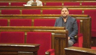 """AV.- Debat.- Junqueras s'ofereix a Mas per entrar al Govern i """"blindar"""" la consulta"""