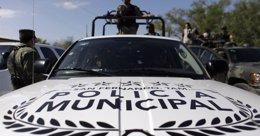 """Foto: La Fuerza Rural de Michoacán afirma que Los Caballeros Templarios están """"en crisis"""" y que """"roban para comer"""" (REUTERS)"""