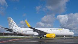 Foto: Las 'low cost' transportan 22,3 millones de pasajeros hasta agosto, un 10,3% más (HGE)