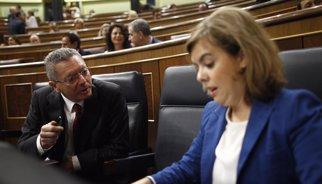 Aborto.- El PSOE pide a Santamaría que aclare si Gallardón amenaza con dimitir y la vicepresidenta no responde