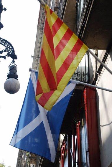 Foto: Todos los partidos salvo PP y C's se desplazan a Escocia para seguir el referéndum (EUROPA PRESS)