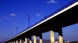 Foto: Fomento prevé poner en servicio 1.000 nuevos kilómetros de AVE en 2015 tras invertir 5.000 millones (ADIF)