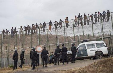 Foto: El Gobierno dice que en la valla fronteriza no hay devoluciones en caliente (STRINGER SPAIN / REUTERS)