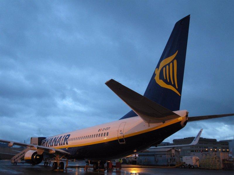 Ryanair seleccionar nuevos tripulantes de cabina en madrid y las palmas en octubre - Cabina ryanair ...