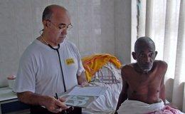 Foto: El religioso español infectado por ébola llega a Madrid (ORDEN HOSPITALARIA DE SAN JUAN DE DIOS)