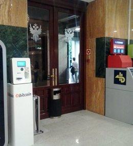 Foto: El centro comercial ABC Serrano instala el primer cajero 'bitcoin' de Madrid (ABC SERRANO/EUROPA PRESS)