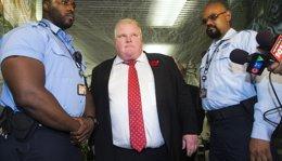 Foto: El alcalde de Toronto abandona el hospital tras la primera ronda de quimioterapia para tratar el cáncer (REUTERS)